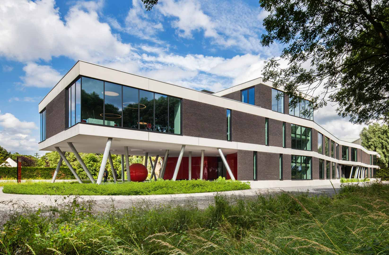 Claerhout Communication house